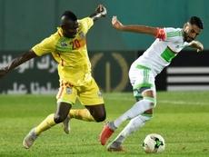 Riyad Mahrez (R) scored in Algeria's 3-1 victory over Zimbabwe. AFP