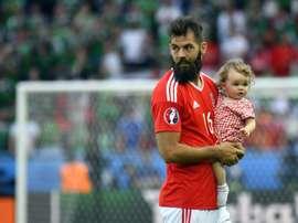 Joe Ledley tendrá que posponer su boda por la Eurocopa. AFP