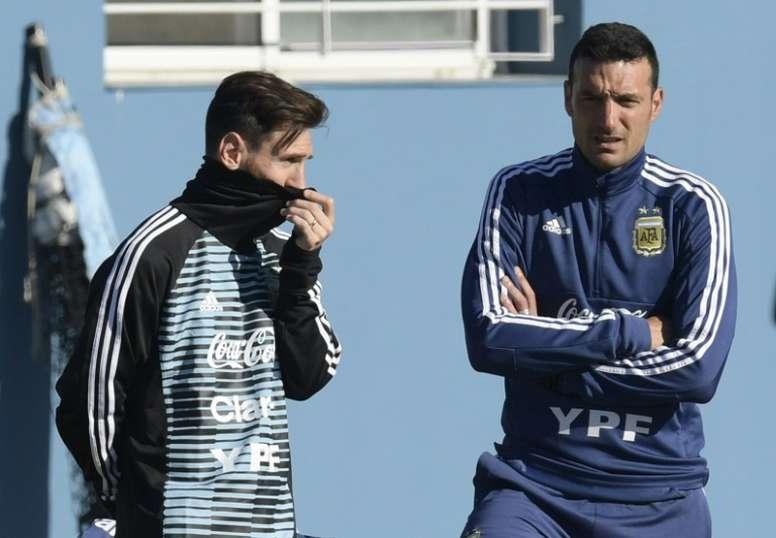 Scaloni pide que vean a Messi como uno más. AFP