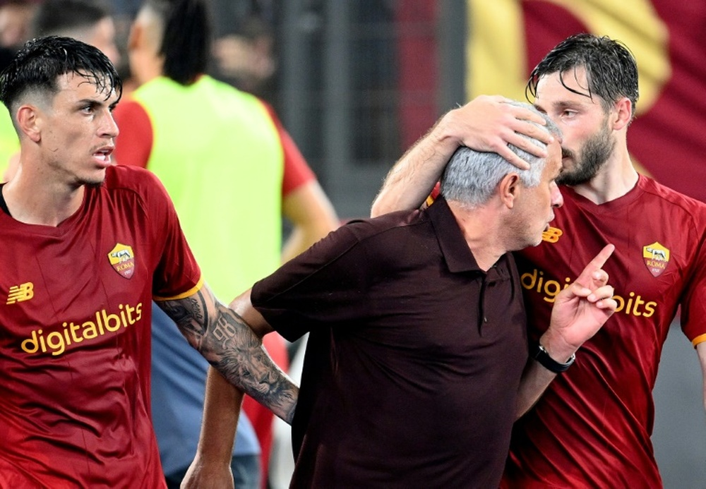 Jose Mourinho ran from his dugout to celebrate with Roma's players after their late winner against Sassuolo