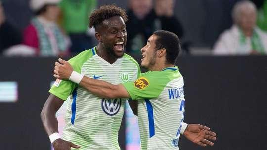 El Wolfsburgo venció por 3-1 al Holstein Kiel. AFP