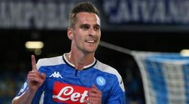 La Juve quiere rebajar el precio de Milik con Bernardeschi. AFP