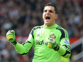 Sunderland goalkeeper Vito Mannone out of action for at least three months after tearing elbow ligaments