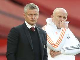 Man Utd aim to bounce back as Arsenal face acid test at Liverpool
