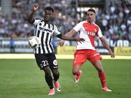 El extremo de Costa de Marfil ha jugado en todas las inferiores del Saint Etienne. AFP
