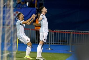 Declan Rice (d) enfrentará a City y United. AFP/Archivo