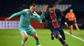 Neymar est le joueur qui subit le plus de fautes en Europe. AFP