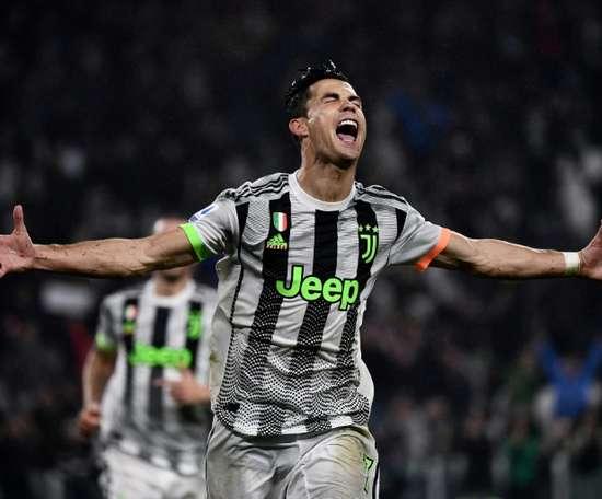 Dybala ou Higuaín, quem vai acompanhar Cristiano Ronaldo. AFP