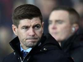 Steven Gerrard afirmou em coletiva de imprensa que está preparado para seguir. AFP