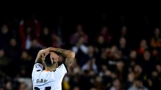Garay cargó contra el Valencia en un duro comunicado. AFP