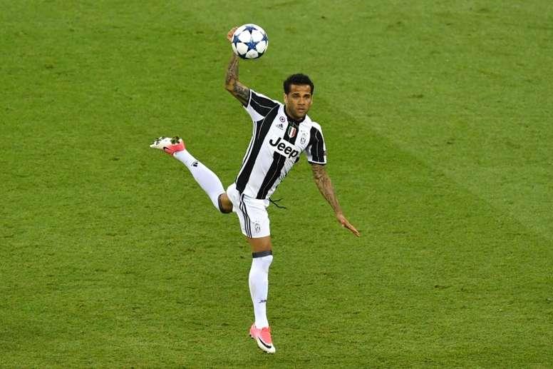 Alves envisage de retourner à la Juventus. AFP