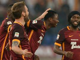 Roma forward Umar Sadiq (C) is being observed closely by Arsenal. BeSoccer