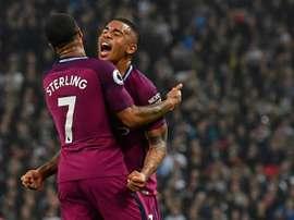 City vence Tottenham em Londres.