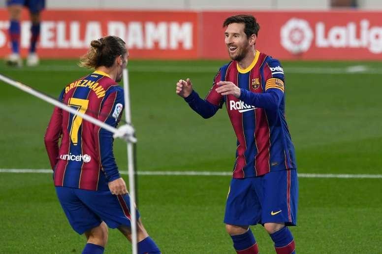 Los jugadores del Barça percibirán un 3% de interés si aprueban la rebaja salarial. AFP