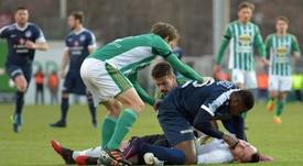 El jugador togolés ha salvado cuatro vidas a lo largo de su carrera. AFP