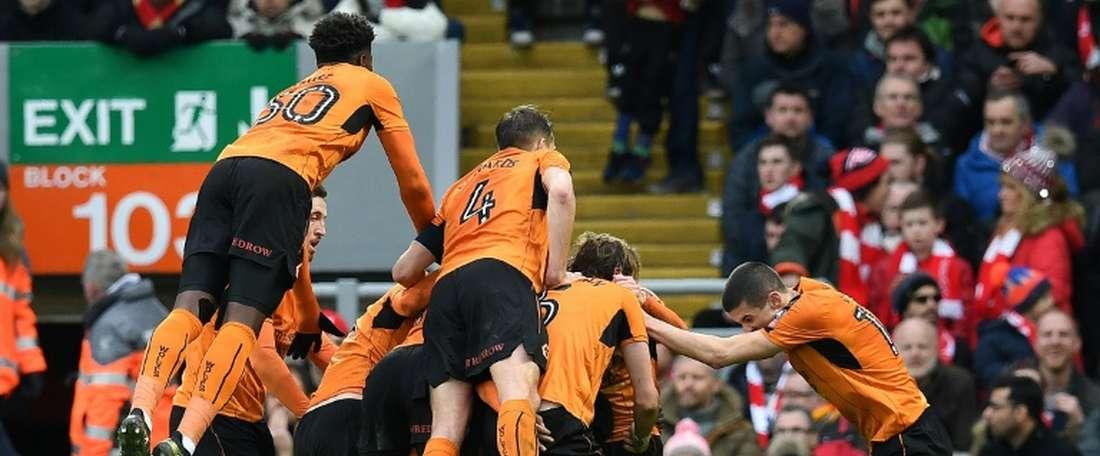 El Wolverhampton Wanderers se hace con los servicios de Barry Douglas. AFP