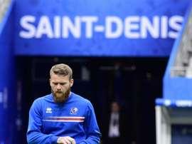 Gunnarsson invita al mundo a confiar en Islandia. AFP