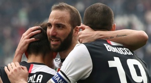 Newcastle and Wolves want Higuaín. AFP