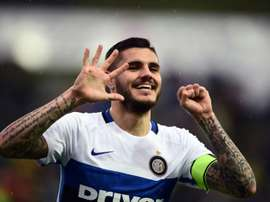 Inter Milans Mauro Icardi celebrates after scoring his 50th Seria A goal against Frosinone. BeSoccer