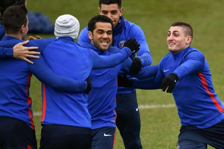 Dani Alves añora el Barça. AFP