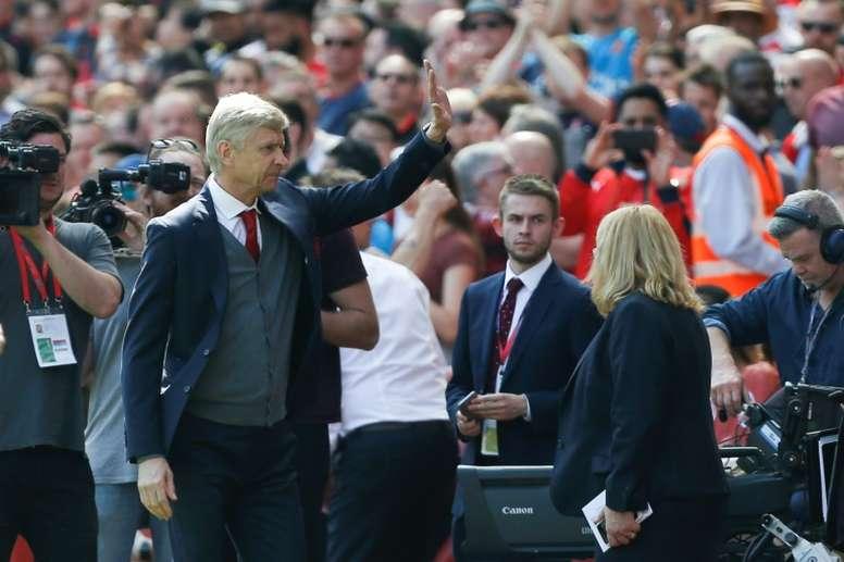 Wenger no ha parado de recibir muestras de cariño desde que anunció su marcha. AFP