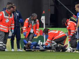 Breel Embolo is taken off the pitch on a stretcher after an injury in Schalke 04s game against FC Augsburg in Augsburg on October 15, 2016