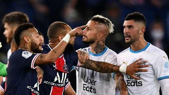 El Marsella, con imágenes de un supuesto insulto de Neymar. AFP