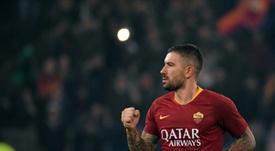 Aleksandar Kolarov seguirá en la Roma. AFP