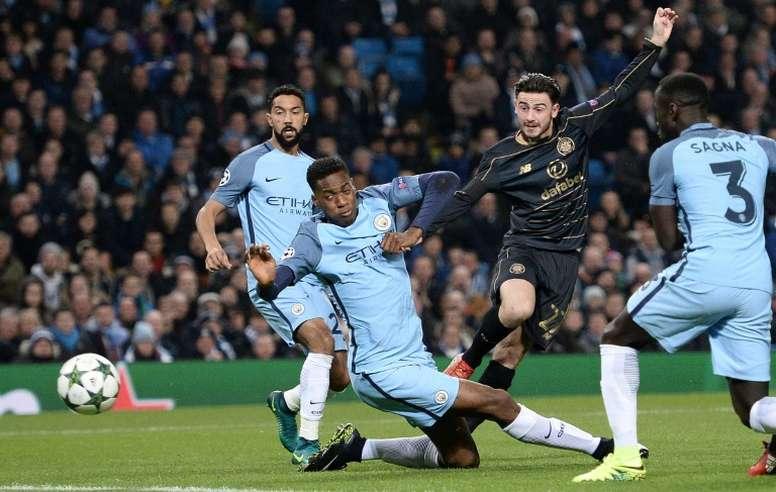 El futbolista le habría pedido a los 'citizens' su regreso al Celtic. AFP/Archivo