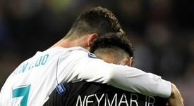 Neymar poderia ser o substituto de Cristiano Ronaldo. AFP