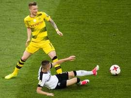 Borussia Dortmund e Augsburg empataram em 1-1. AFP