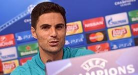 Guiño de Vieira a un Arsenal que prefiere a Arteta. AFP