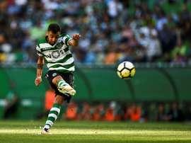 Manchester United tornou oficial a chegada do meia português Bruno Fernandes. AFP