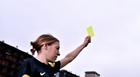 Stéphanie Frappart hará historia en la Ligue 1. AFP