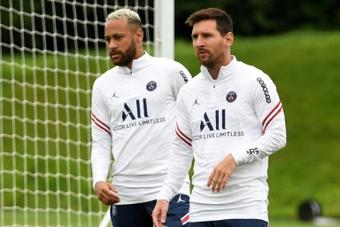 PSG terá Neymar e Messi para estreia na Liga dos Campeões. AFP
