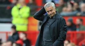 José Mourinho cargó contra sus propios jugadores tras empatar a uno ante los 'wolves'. AFP