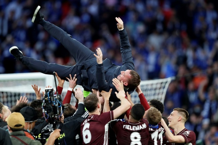Los jugadores del Leicester se embolsaron 46.400 euros por ganar la FA Cup. AFP
