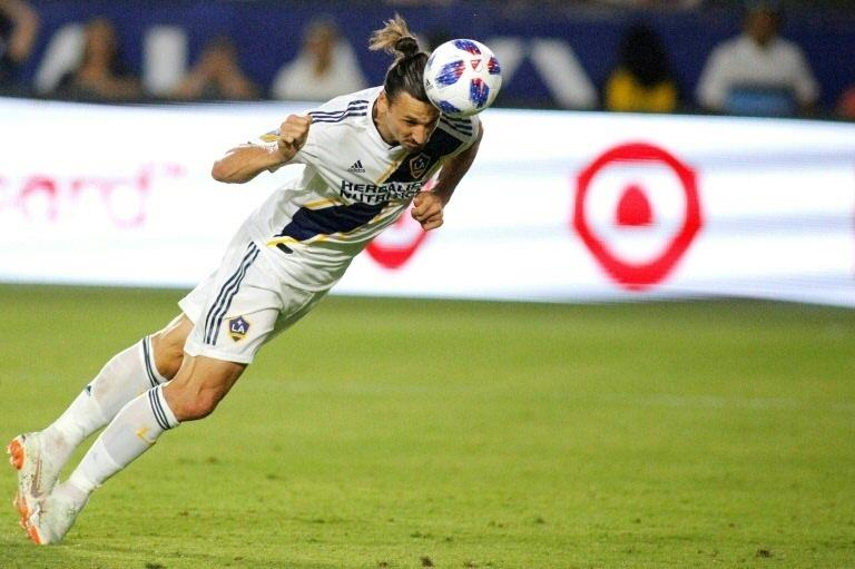 Zlatan Ibrahimovic se queda en el Galaxy un año más