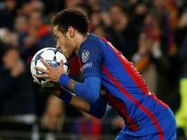 Barcelone pourrait des joueurs afin d'attirer Neymar. AFP