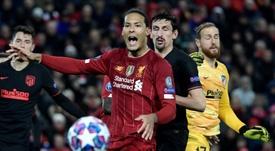 El Liverpool convertiría a Van Dijk en el jugador mejor pagado de su historia. AFP