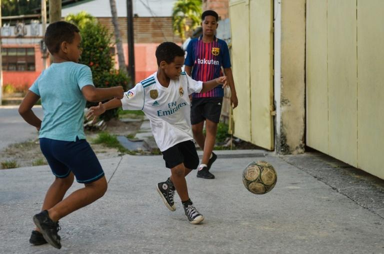 Football Futbal Club Team Sports Ball Youth T-shirt Cuba Soccer
