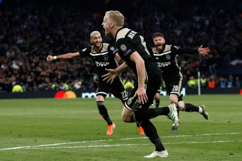 Van de Beek could be heading for Real Madrid. EFE