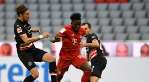 Alphonso Davies, destaque do Bayern de Munique. AFP