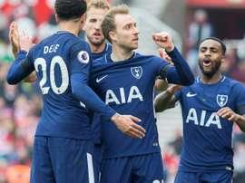 Christian Eriksen foi o autor dos golos da equipa do Tottenham. EFE