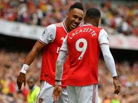 Sans Champions League, Aubemeyang devrait pousser Lacazette vers la sortie. AFP