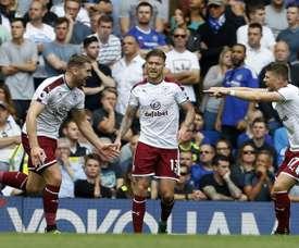 Gudmundsson hizo el gol del Burnley. AFP