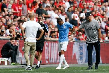 Sané, operado com sucesso, espera voltar ainda nessa temporada. AFP