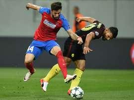 Manda el Steaua en Rumanía. AFP