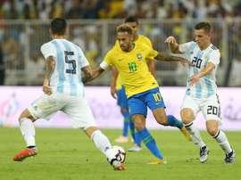 Saravia aseguró que al del PSG no le sentó mal su marcaje. AFP