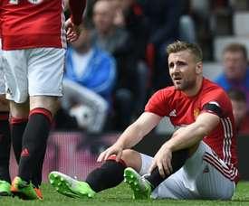 Mourinho e Luke Shaw discutem no Manchester United